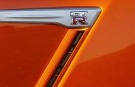 Nissan GT-R, 2017, badge