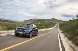 Audi Q5, 2017, desert highway