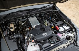 Toyota Hilux, 2020, engine