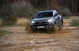 Toyota Hilux, 2020, front, off road