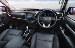 Toyota Hilux, 2016, interior, automatic