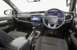 Toyota Hilux, 2016, interior, manual