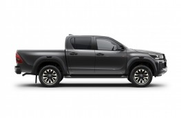 Toyota Hilux, 2020, side