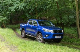 Toyota Hilux, 2016, off road, front