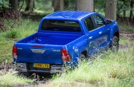 Toyota Hilux, 2016, off road, rear