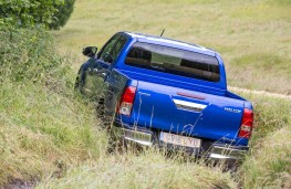 Toyota Hilux, 2016, off road, rear, action