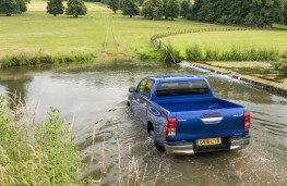 Toyota Hilux, 2016, wading, rear