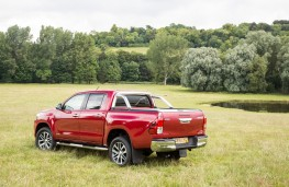 Toyota Hilux, rear