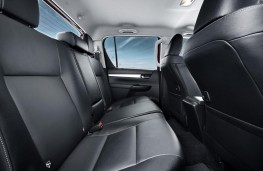 Toyota Hilux, 2016, rear seats