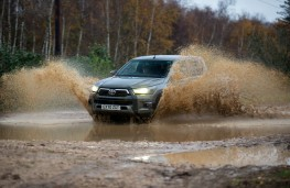 Toyota Hilux, 2020, water splash