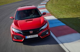 Honda Civic Type R, front action 2
