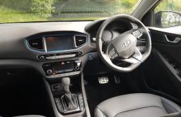 Hyundai Ioniq Hybrid 1.6 GDi Premium SE, cabin