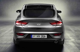 Hyundai i30 Fastback rear 2