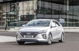 Hyundai IONIQ, front action 2