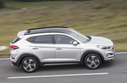 Hyundai Tucson, side action