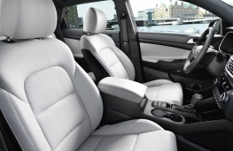 Hyundai Tucson 2018 front seats