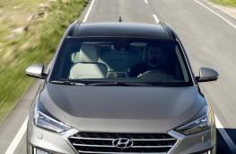 Hyundai Tucson 2018 head on