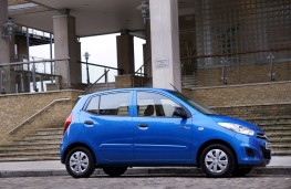 Hyundai i10 Blue, side