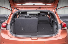 Hyundai i20 Coupe, boot