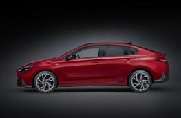 Hyundai i30 Fastback N Line, 2020, side
