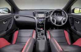 Hyundai i30 Turbo, interior