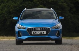 Hyundai i30 Tourer, 2017, head on