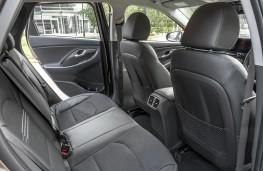 Hyundai i30, 2021, rear seats