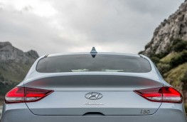 Hyundai i30 Fastback, 2017, tail