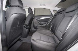 Hyundai i40, 2016, rear seats