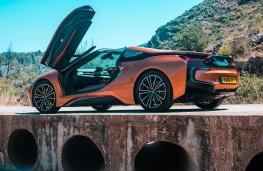 BMW i8 Roadster, 2018, doors open