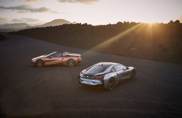 BMW i8 Roadster and Coupe, 2018