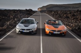 BMW i8 Coupe and Roadster, 2018