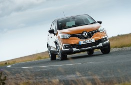 Renault Captur, front, action
