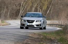 Saab 9-5, front