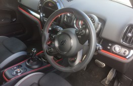 Countryman JCW interior
