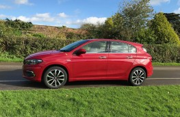 Fiat Tipo, side
