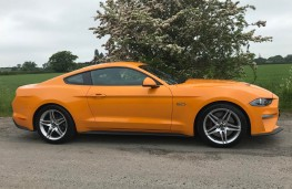 Ford Mustang, side