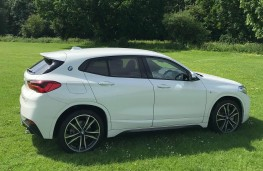 BMW X2 xDrive, side