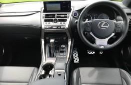 Lexus NX300h F Sport, interior