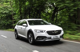 Vauxhall Insignia Country Tourer, 2017, front, action