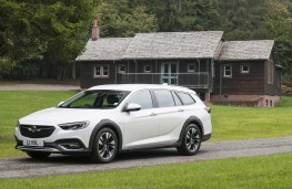 Vauxhall Insignia Country Tourer, 2017, front, static