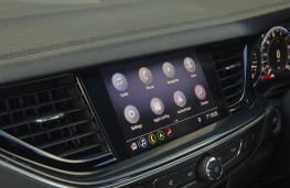 Vauxhall Insignia, 2021, display screen