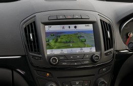 Vauxhall Insignia Country Tourer, 2017, display screen
