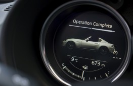 Mazda MX-5 RF, 2017, instruments, roof 3