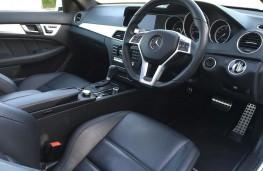 Jamie Vardy, Mercedes C63 AMG, interior