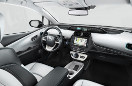 Toyota Prius PHV, 2017, interior