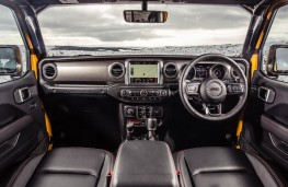 Jeep Wrangler, interior