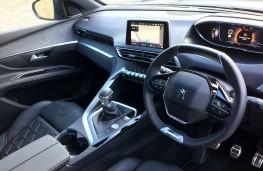 Peugeot 5008, 2017, interior, manual