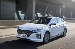 Hyundai Ioniq Plug-in Hybrid, 2017, front