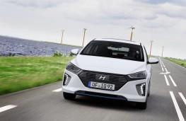Hyundai Ioniq hybrid, front, action